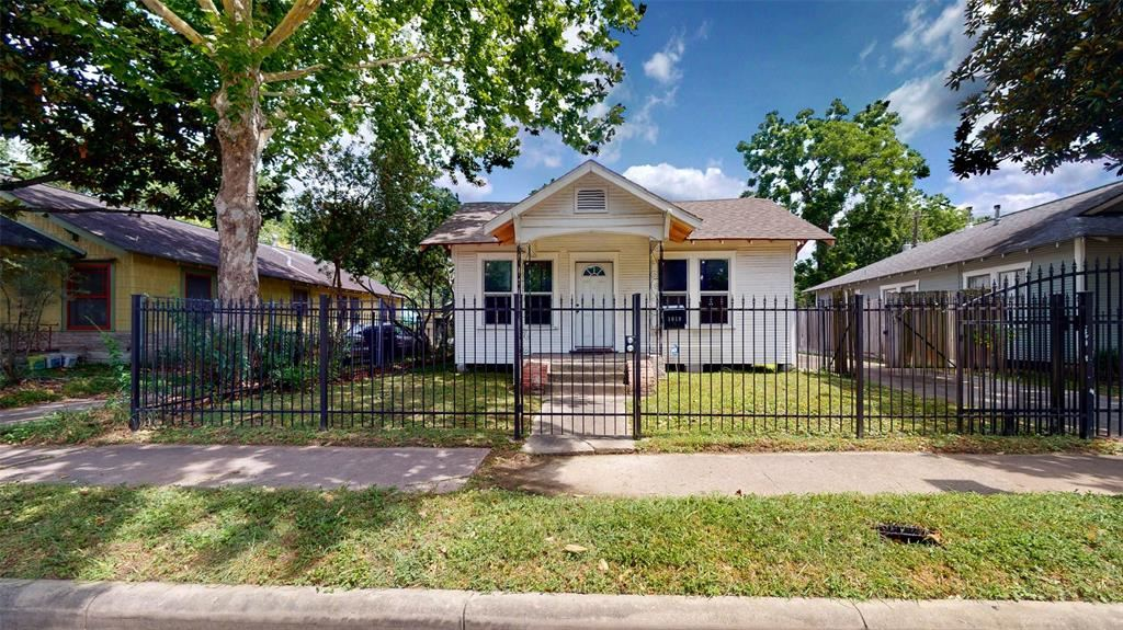 1019 E 14th Street, Houston, TX 77009 - MLS#: 89639053