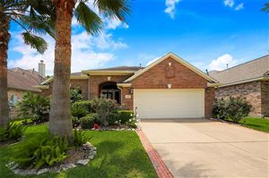 Photo of 309 Marina Oaks Court, Kemah, TX 77565 (MLS # 40352054)