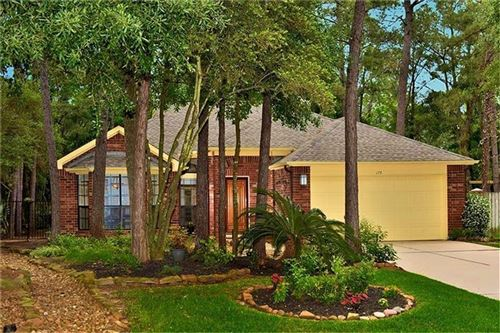 Photo of 175 N Village Knoll Circle, The Woodlands, TX 77381 (MLS # 51386066)