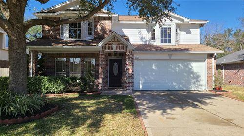 Photo of 602 Oak Briar Drive, Kemah, TX 77565 (MLS # 72658067)