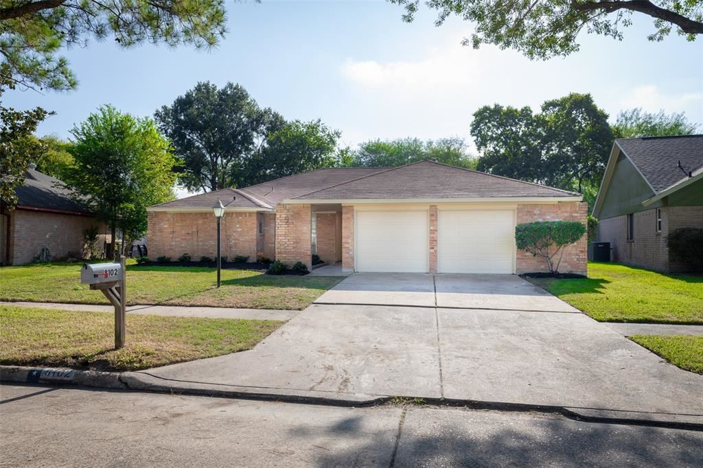 8102 Knightwood Forest Drive, Houston, TX 77088 - MLS#: 62562067