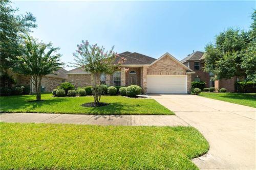 Photo of 10102 Barr Lake Drive, Houston, TX 77095 (MLS # 75051070)