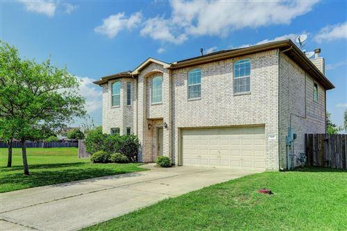 Photo of 3211 Meadow Bay Lane, Dickinson, TX 77539 (MLS # 70725074)