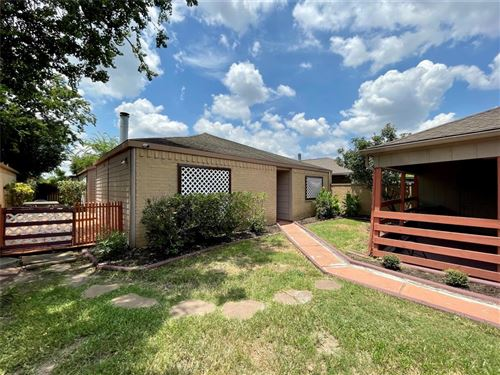 Photo of 9414 CLIPPERWOOD Place, Houston, TX 77083 (MLS # 89087078)