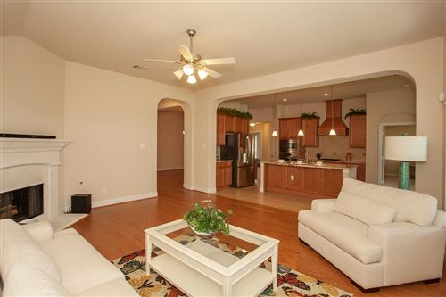 Photo of 43 WADING POND, The Woodlands, TX 77375 (MLS # 5141080)