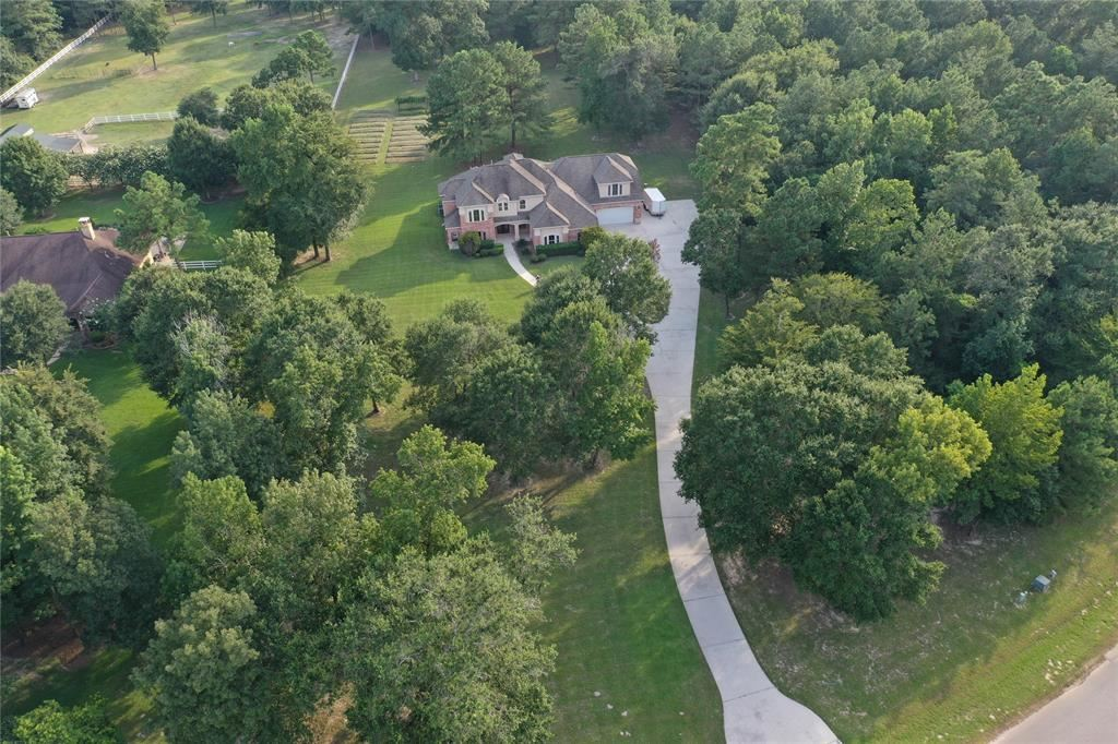 Photo for 8539 Majestic Lake Court, Montgomery, TX 77316 (MLS # 93919080)