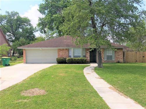 Photo of 205 Meador Lane, Baytown, TX 77520 (MLS # 39929085)