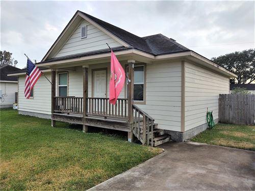 Photo of 19050 County Road 669e, Alvin, TX 77511 (MLS # 59986086)
