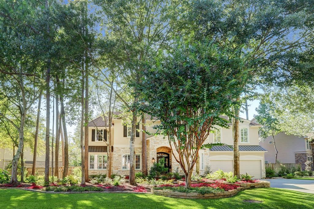 Photo for 81 E Beckonvale Circle, The Woodlands, TX 77382 (MLS # 32237092)