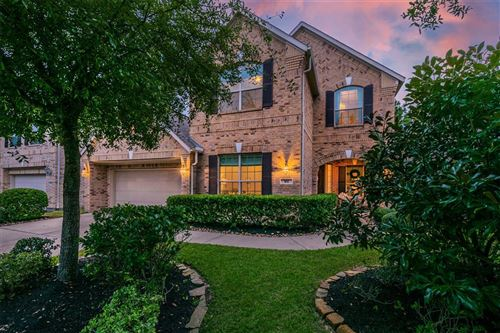 Photo of 102 N Pinto Point Circle, The Woodlands, TX 77389 (MLS # 67692093)