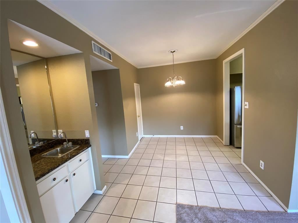 Photo for 708 Bering Drive #S, Houston, TX 77057 (MLS # 41146096)