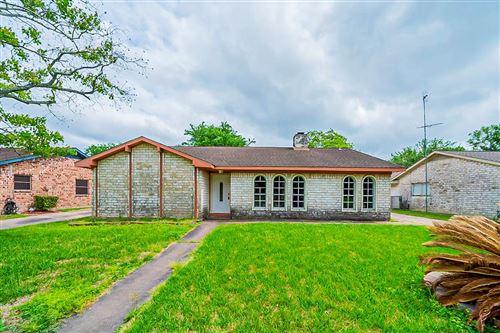 Photo of 9822 Hughes Ranch Road, Houston, TX 77089 (MLS # 7018099)
