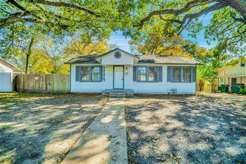 Photo of 913 Cable Street, Conroe, TX 77301 (MLS # 92192100)