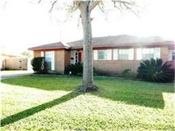 Photo of 602 Sorrento Drive, El Lago, TX 77586 (MLS # 97035100)