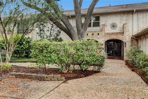 Photo of 1125 Nantucket Drive, Houston, TX 77057 (MLS # 32137101)