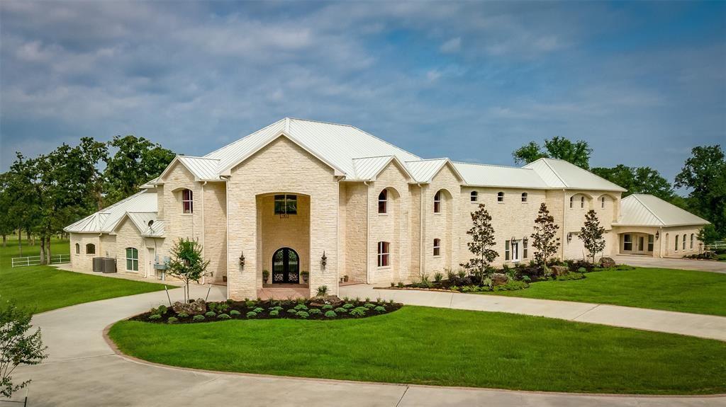 Photo for 3087 N Fm 1486 Road, Montgomery, TX 77356 (MLS # 71655101)