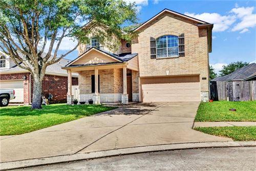 Photo of 407 Drake Lane, League City, TX 77573 (MLS # 46240102)