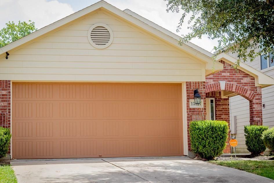 Photo for 13127 Royal Bell Court, Houston, TX 77047 (MLS # 75234103)