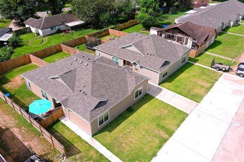 Photo of 110 unit A Will Street, Willis, TX 77378 (MLS # 44947111)