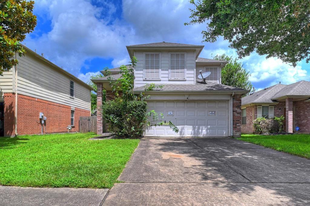 Photo for 811 N Oak Drive, Houston, TX 77073 (MLS # 17645113)