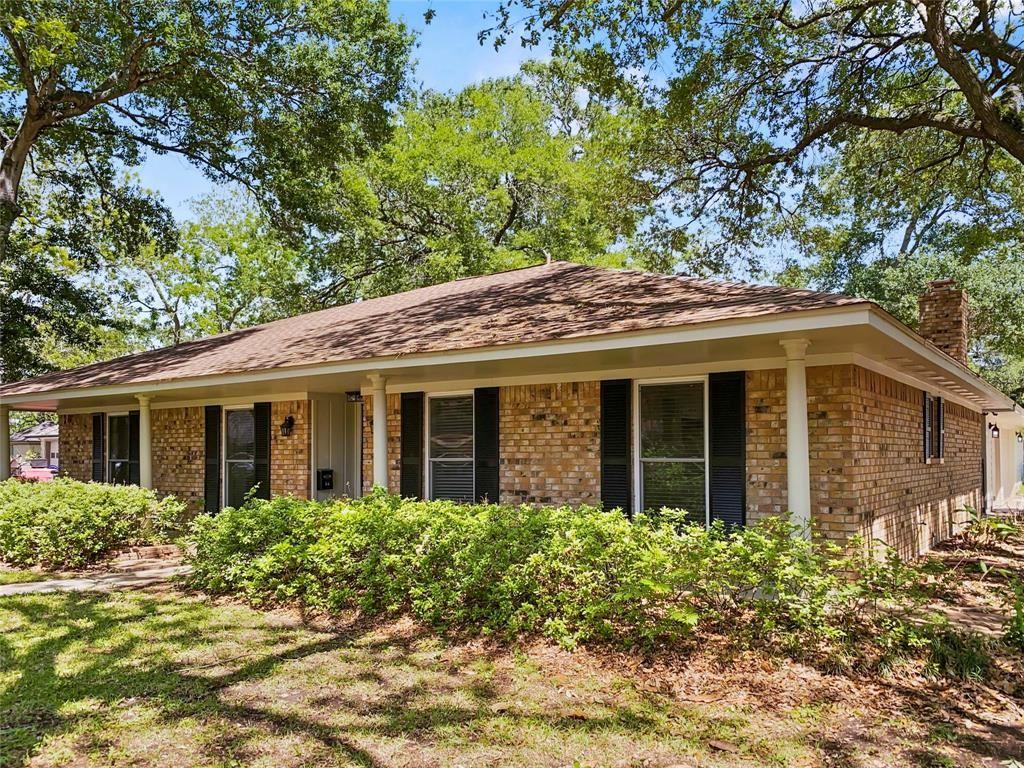 52 Pine Court, Lake Jackson, TX 77566 - #: 48729114