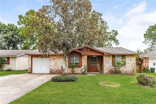 Photo of 16635 David Glen Drive, Friendswood, TX 77546 (MLS # 40600119)