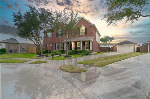 Photo of 3004 Willow Brook Court, Pearland, TX 77584 (MLS # 54659128)