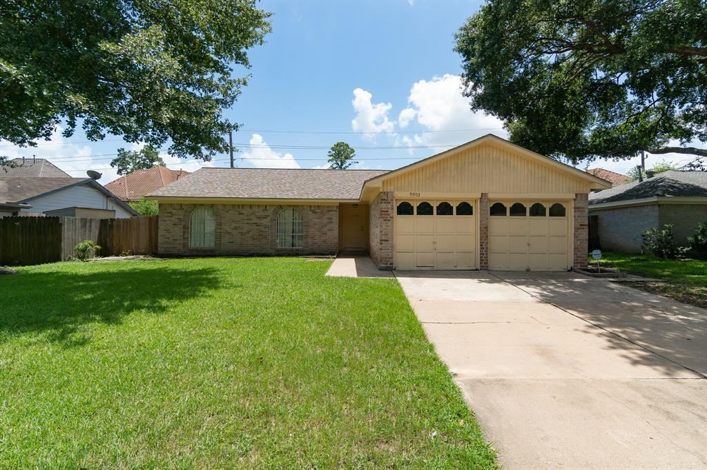 Photo for 9903 Cane Creek Drive, Houston, TX 77070 (MLS # 87365128)