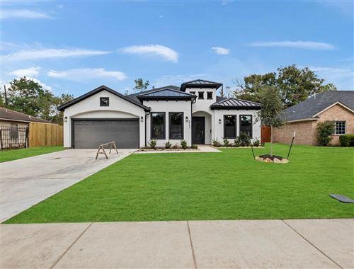 Photo of 5963 Kenilwood Drive, Houston, TX 77033 (MLS # 61567131)
