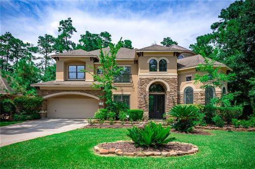 Photo of 38 W Majestic Woods Place, The Woodlands, TX 77382 (MLS # 4393133)
