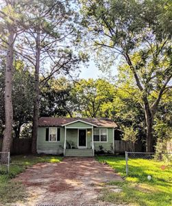 Photo of 923 Avenue A, Bacliff, TX 77518 (MLS # 5047133)
