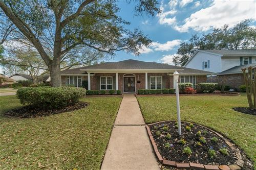 Photo of 1914 Silver Bank Court, Nassau Bay, TX 77058 (MLS # 15414136)