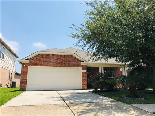 Photo of 2114 Red Valley Drive, Houston, TX 77049 (MLS # 48973139)