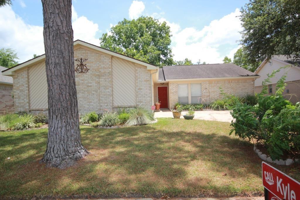 Photo for 17015 Cairnladdie Street, Houston, TX 77084 (MLS # 9008140)