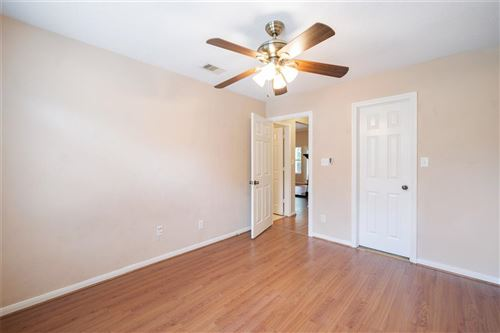 Tiny photo for 1233 Chateau Woods Parkway Drive, Conroe, TX 77385 (MLS # 73171141)