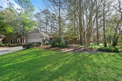 Photo of 2 Lush Meadow Place, The Woodlands, TX 77381 (MLS # 10009145)