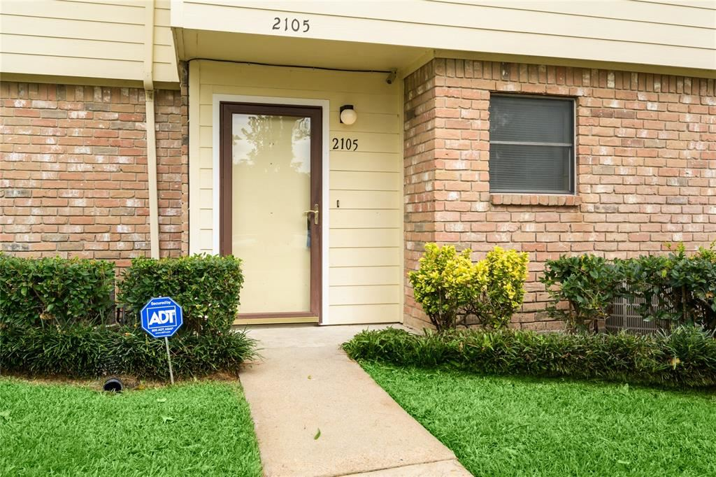 Photo for 14555 Wunderlich Drive #2105, Houston, TX 77069 (MLS # 13487146)
