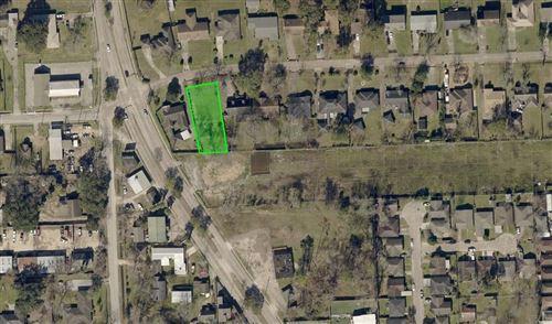 Photo of 106 E Thornton Road, Houston, TX 77022 (MLS # 62644152)