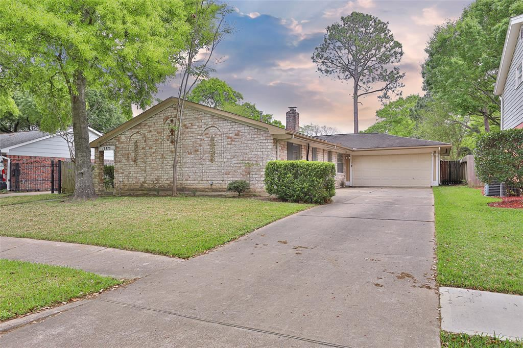 Photo for 12375 Westella Drive, Houston, TX 77077 (MLS # 12633154)