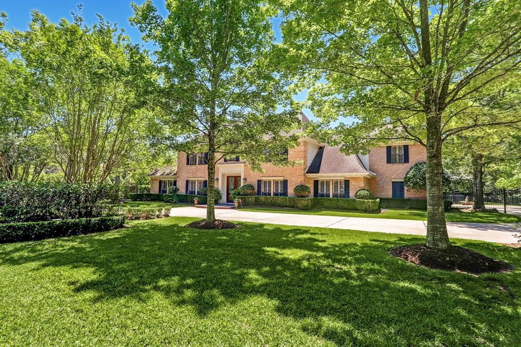 Photo for 215 Hedwig Road, Houston, TX 77024 (MLS # 85932155)