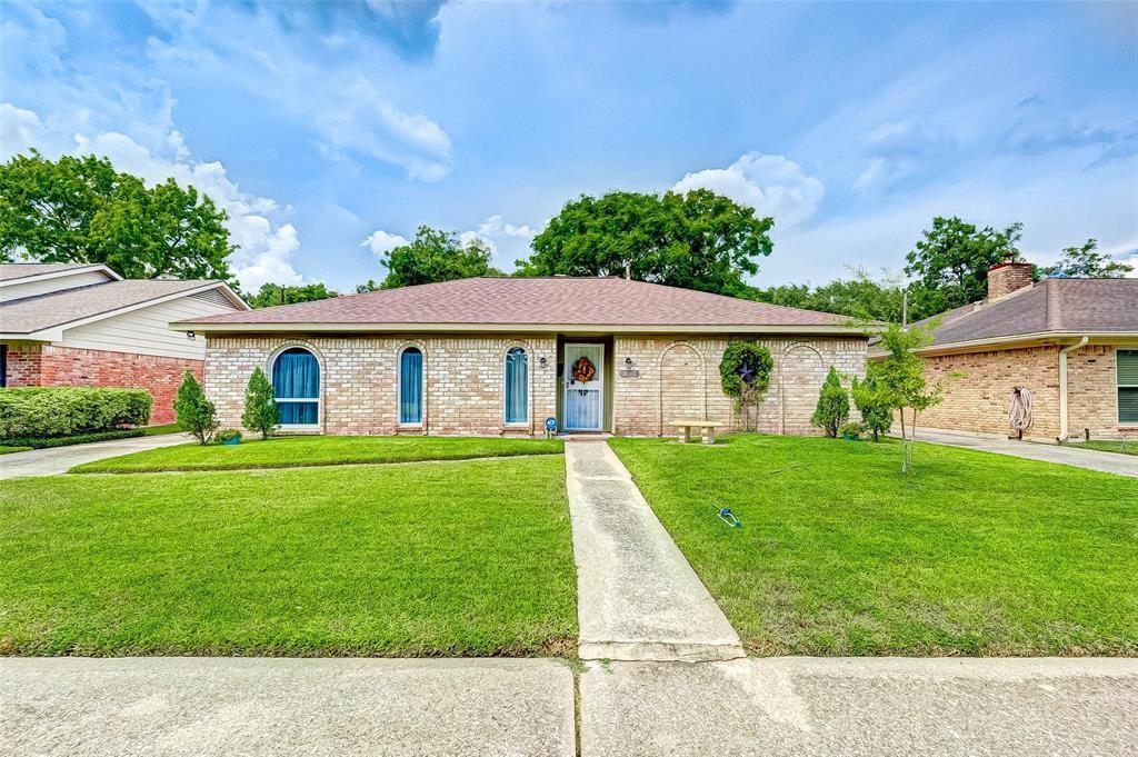 8510 Twin Hills Drive, Houston, TX 77071 - #: 87785157