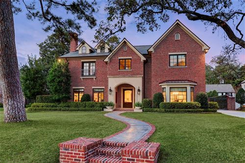 Photo of 2924 Chevy Chase Drive, Houston, TX 77019 (MLS # 35409159)