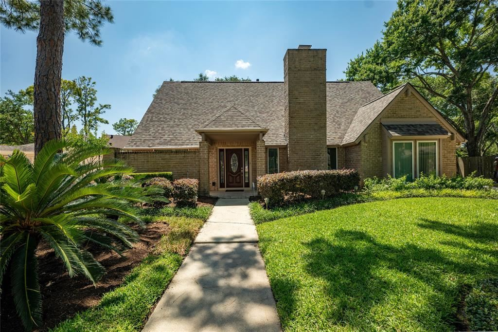 Photo for 1510 Holly River Drive, Houston, TX 77077 (MLS # 900161)