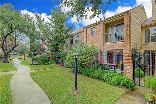 Photo of 800 Country Place Drive #904, Houston, TX 77079 (MLS # 87341162)