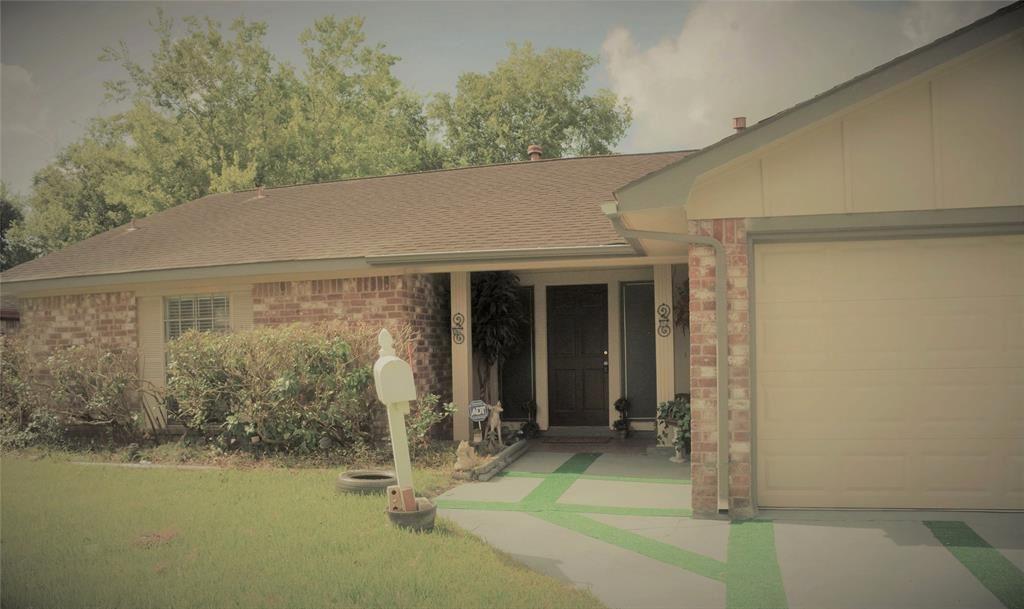 Photo for 6907 Castleview Lane, Houston, TX 77489 (MLS # 60654166)