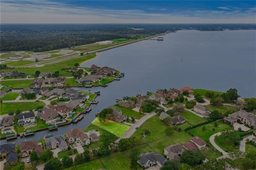 Photo of 12325 Oak Cove Point, Conroe, TX 77304 (MLS # 37084170)