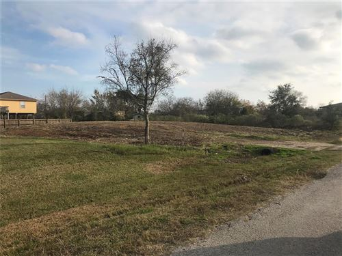 Photo of 0 13Th St, San Leon, TX 77539 (MLS # 37342173)
