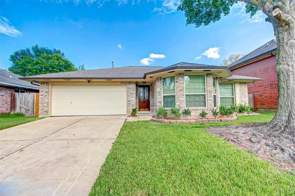 10935 Covered Bridge Street, Houston, TX 77075 - MLS#: 88377176