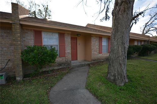 Photo of 101 Willenberg Street #5, Lake Jackson, TX 77566 (MLS # 11039178)