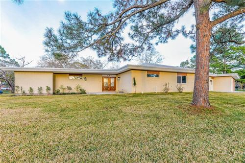 Photo of 402 Old Bayou Drive, Dickinson, TX 77539 (MLS # 39372178)